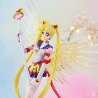 Figura Eternal Sailor Moon 16cm